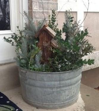 Gorgeous Winter Front Porch Design Ideas 16