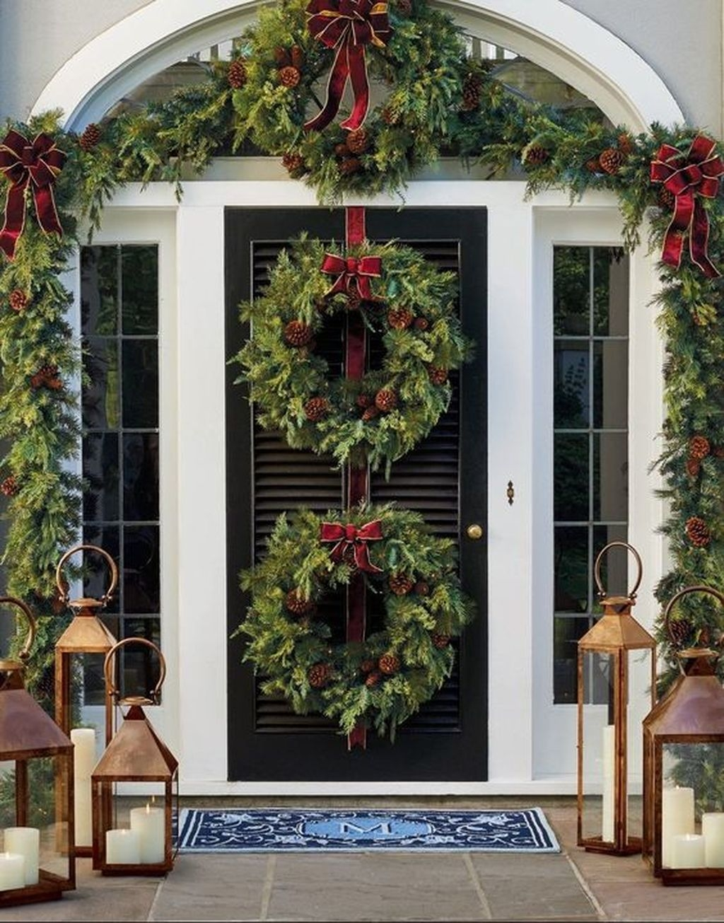 Gorgeous Winter Front Porch Design Ideas 18