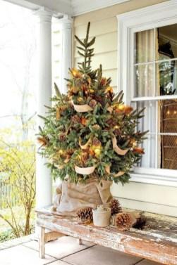 Gorgeous Winter Front Porch Design Ideas 25