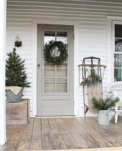Gorgeous Winter Front Porch Design Ideas 28