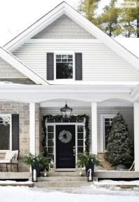 Gorgeous Winter Front Porch Design Ideas 37