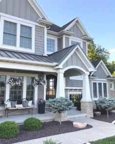 Gorgeous Winter Front Porch Design Ideas 41
