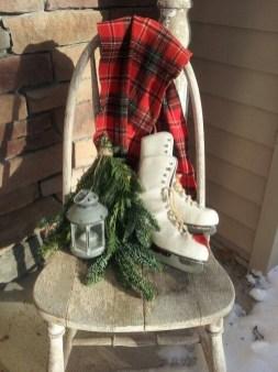 Gorgeous Winter Front Porch Design Ideas 44