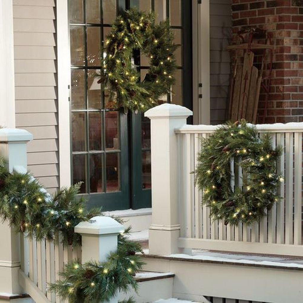 Gorgeous Winter Front Porch Design Ideas 48