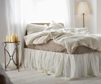 Lovely Winter Master Bedroom Decorations Ideas Best For You 03