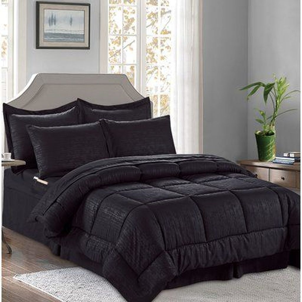 Lovely Winter Master Bedroom Decorations Ideas Best For You 32