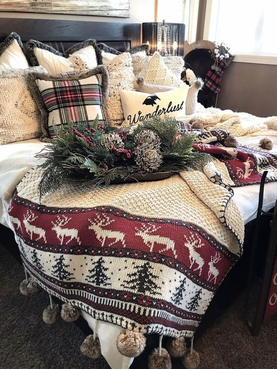 Lovely Winter Master Bedroom Decorations Ideas Best For You 37