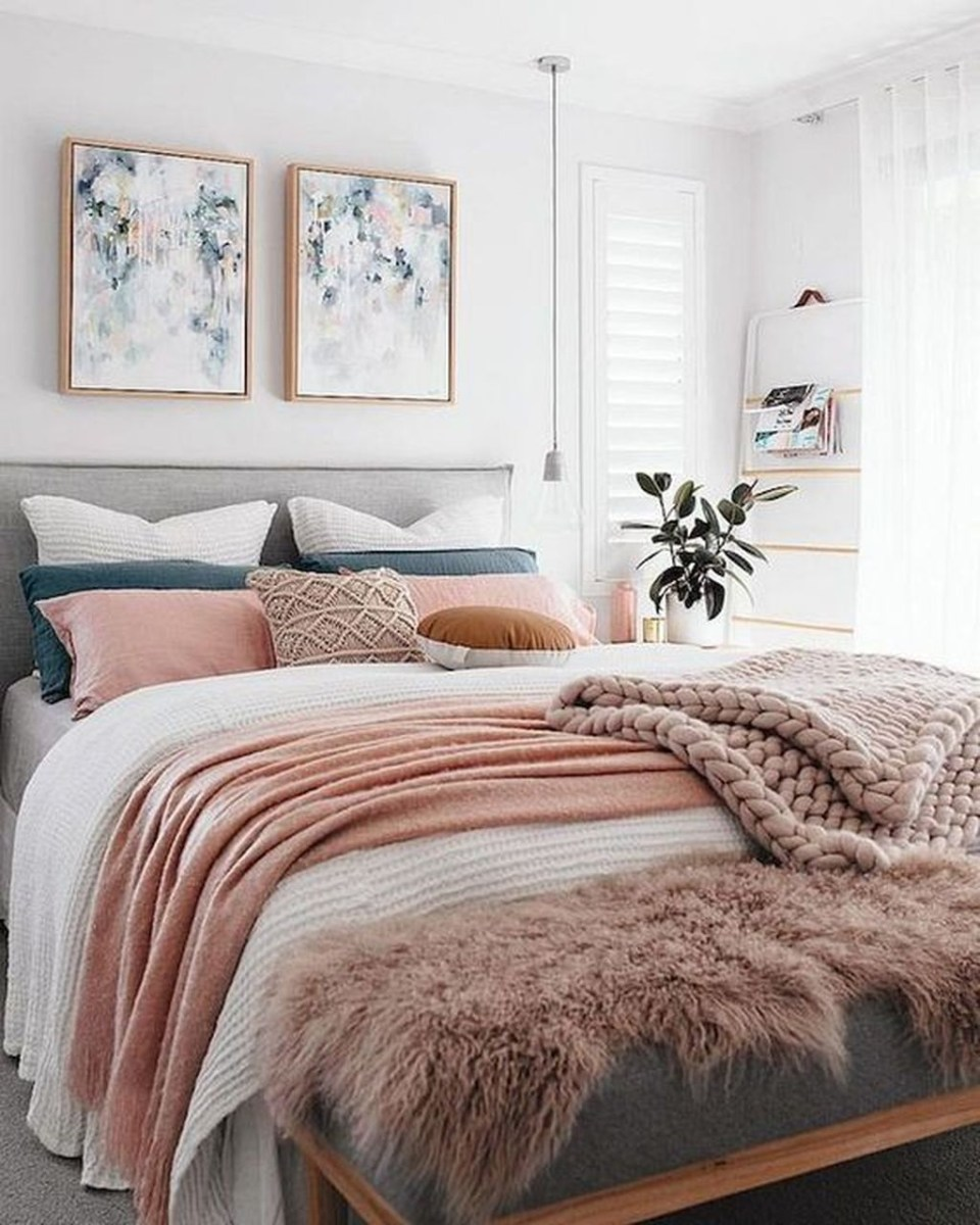 Lovely Winter Master Bedroom Decorations Ideas Best For You 39