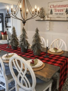 Popular Winter Dining Room Decorations On Your Table 06