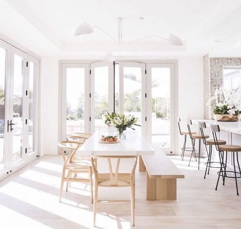 Popular Winter Dining Room Decorations On Your Table 08