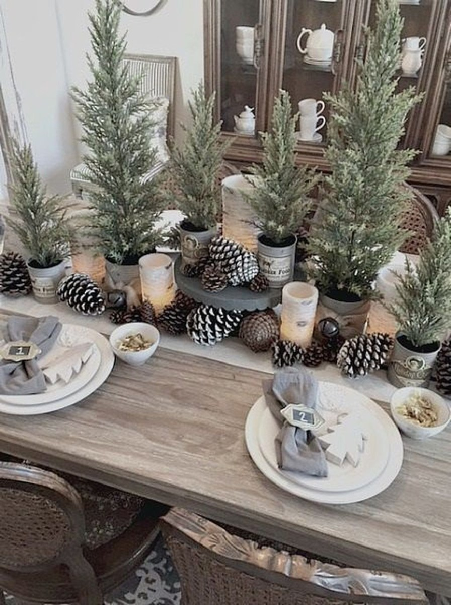 Popular Winter Dining Room Decorations On Your Table 09
