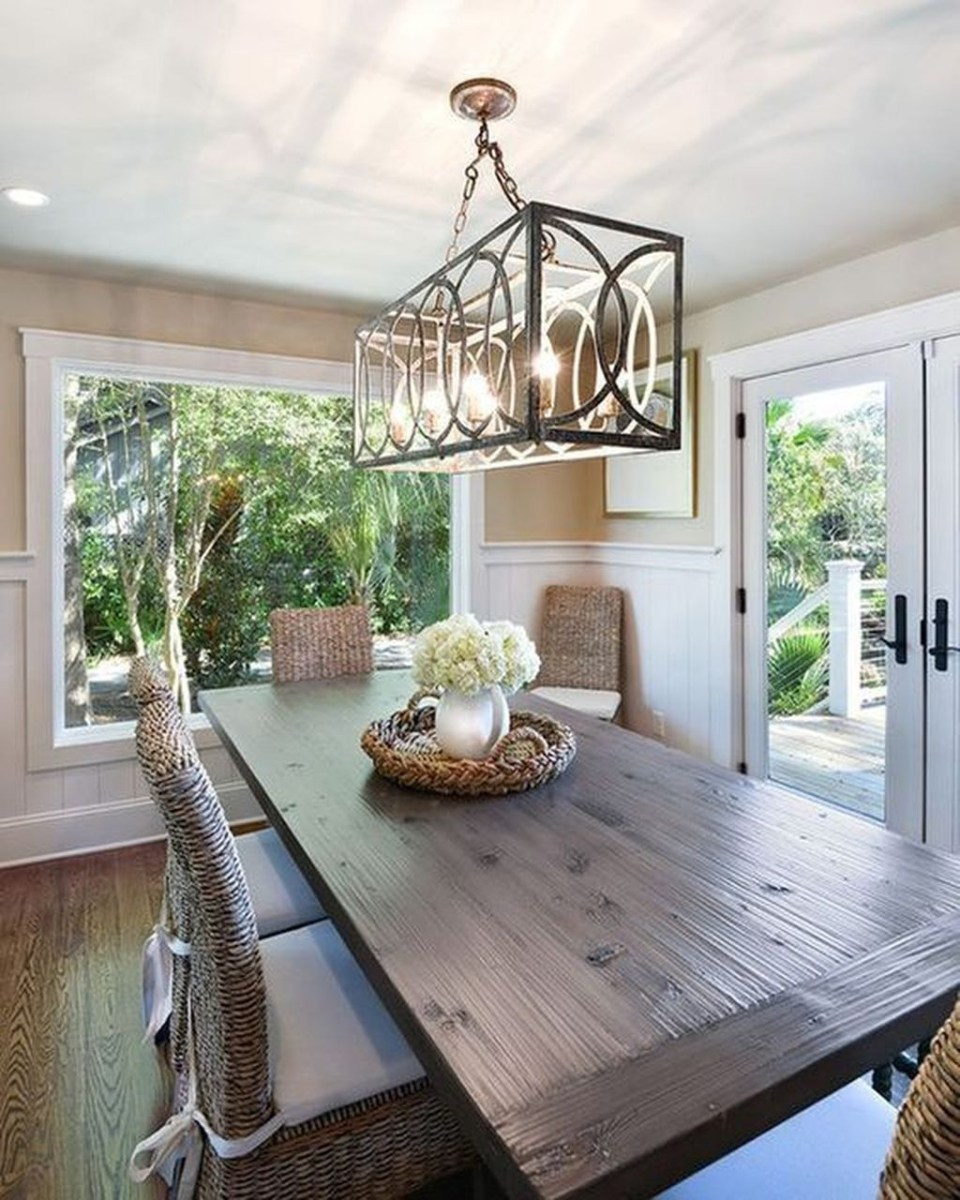 Popular Winter Dining Room Decorations On Your Table 12