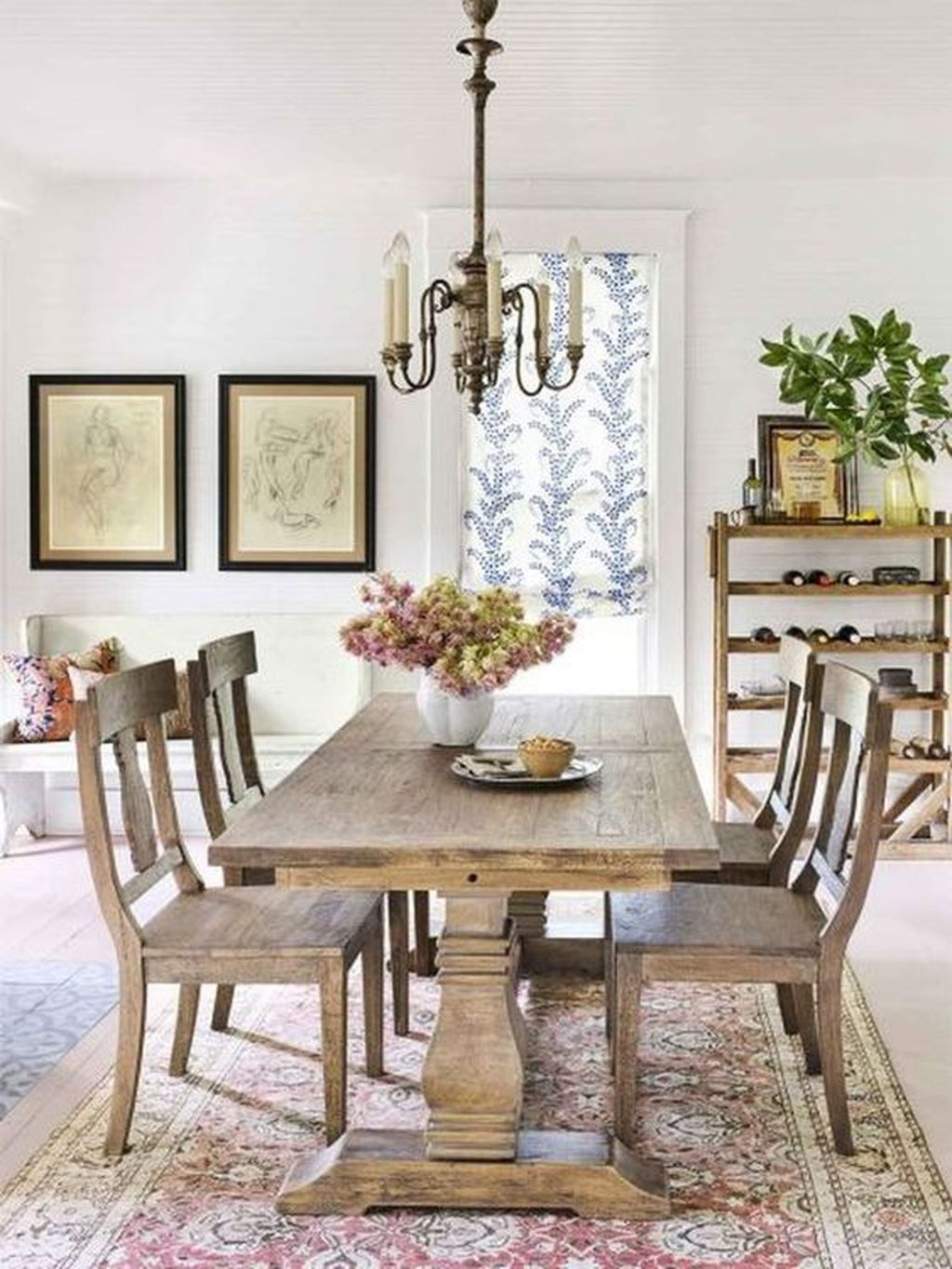Popular Winter Dining Room Decorations On Your Table 28