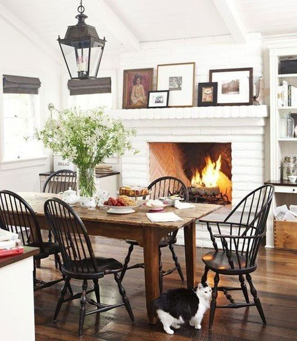 Popular Winter Dining Room Decorations On Your Table 33