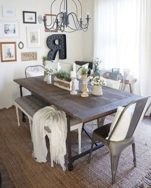 Popular Winter Dining Room Decorations On Your Table 41