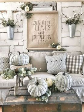 Stunning Winter Living Room Decor Ideas You Should Try 16
