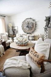 Stunning Winter Living Room Decor Ideas You Should Try 31