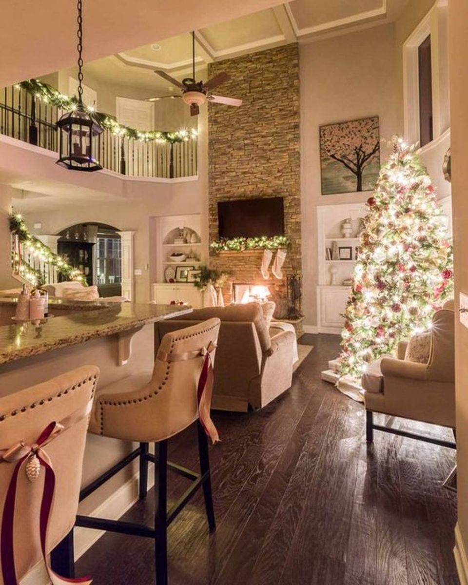 Stunning Winter Living Room Decor Ideas You Should Try 50