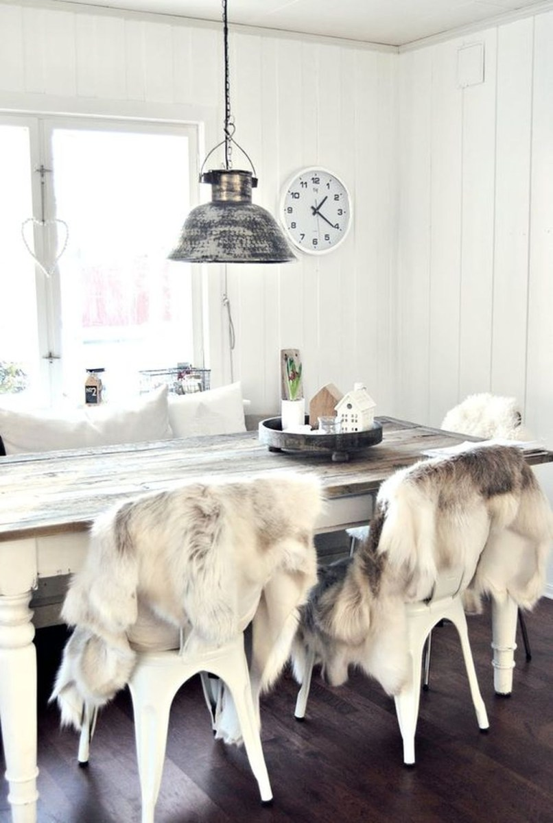 The Best Winter Dining Room Decorations 04