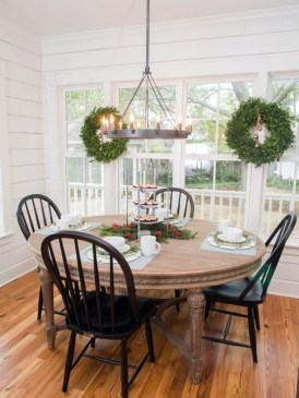 The Best Winter Dining Room Decorations 17