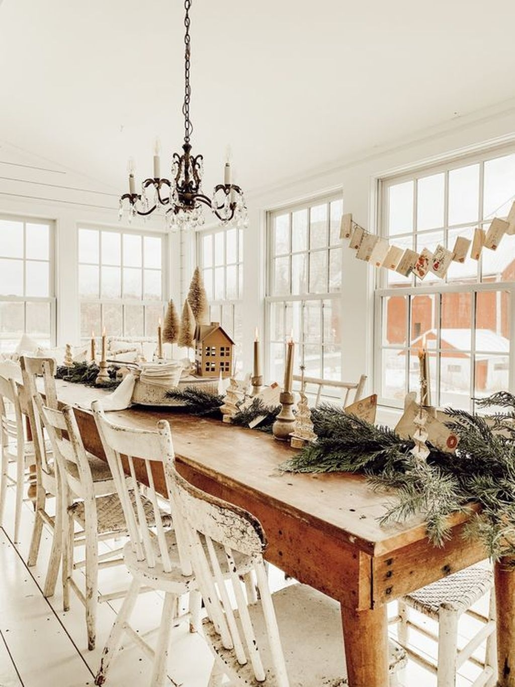 The Best Winter Dining Room Decorations 19