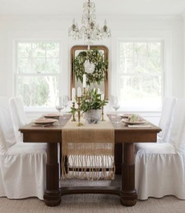 The Best Winter Dining Room Decorations 21