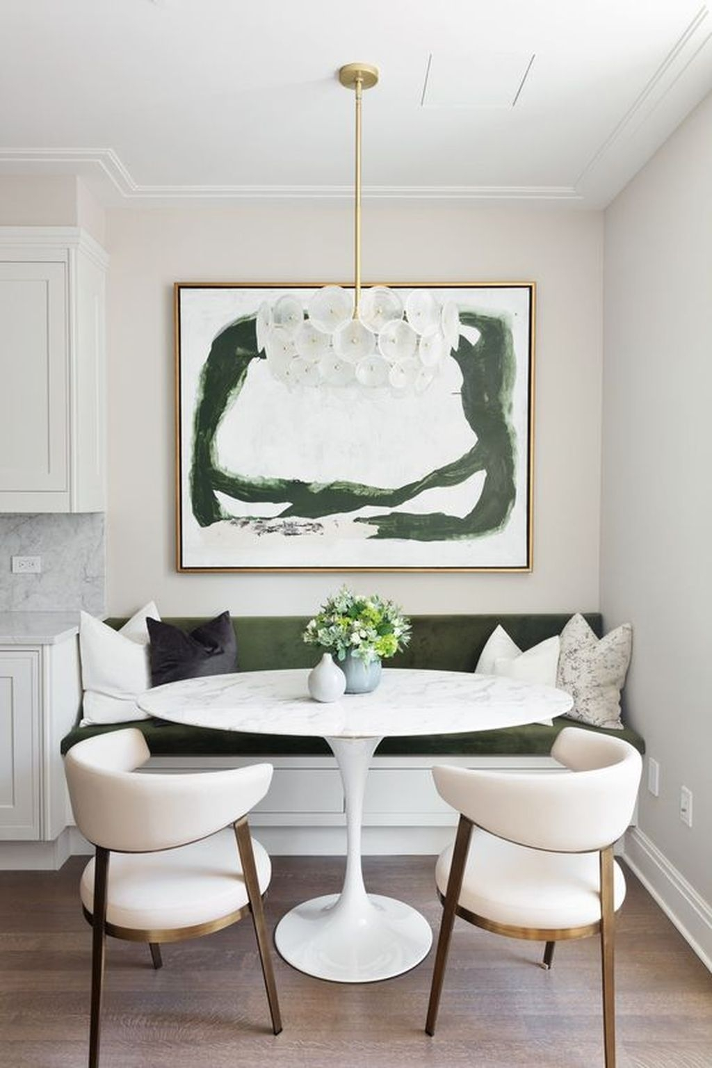 The Best Winter Dining Room Decorations 24