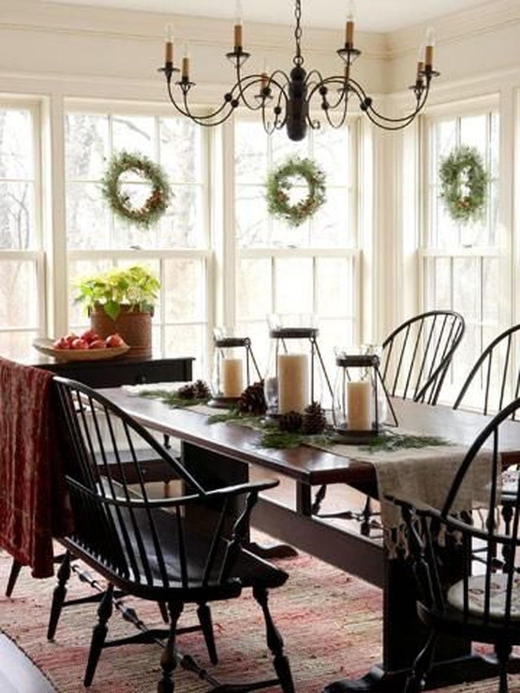 The Best Winter Dining Room Decorations 29