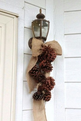 Applying Wooden Planks Correctly To Make Rustic Winter Home Decoration 26