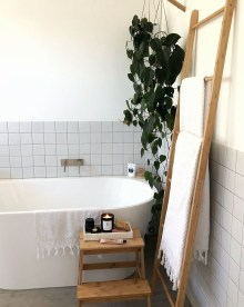 Awesome Winter Bathroom Decor You Need To Have 03