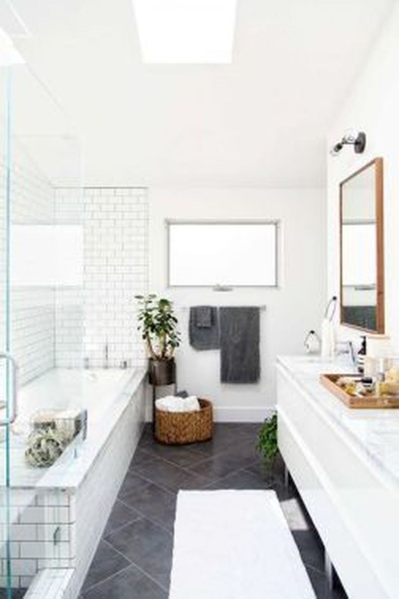 Awesome Winter Bathroom Decor You Need To Have 36