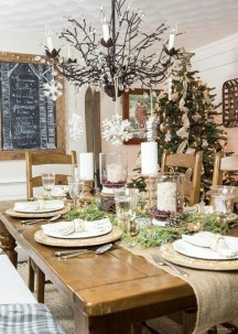 Beautiful Christmas Dining Room Decor Ideas Should You Apply This Winter 29