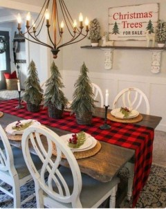 Beautiful Christmas Dining Room Decor Ideas Should You Apply This Winter 30