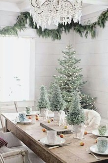 Beautiful Christmas Dining Room Decor Ideas Should You Apply This Winter 43