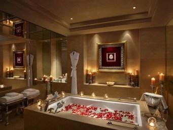 Beautiful Romantic Bathroom Decorations 01