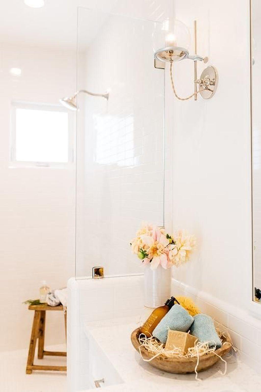Beautiful Romantic Bathroom Decorations 03