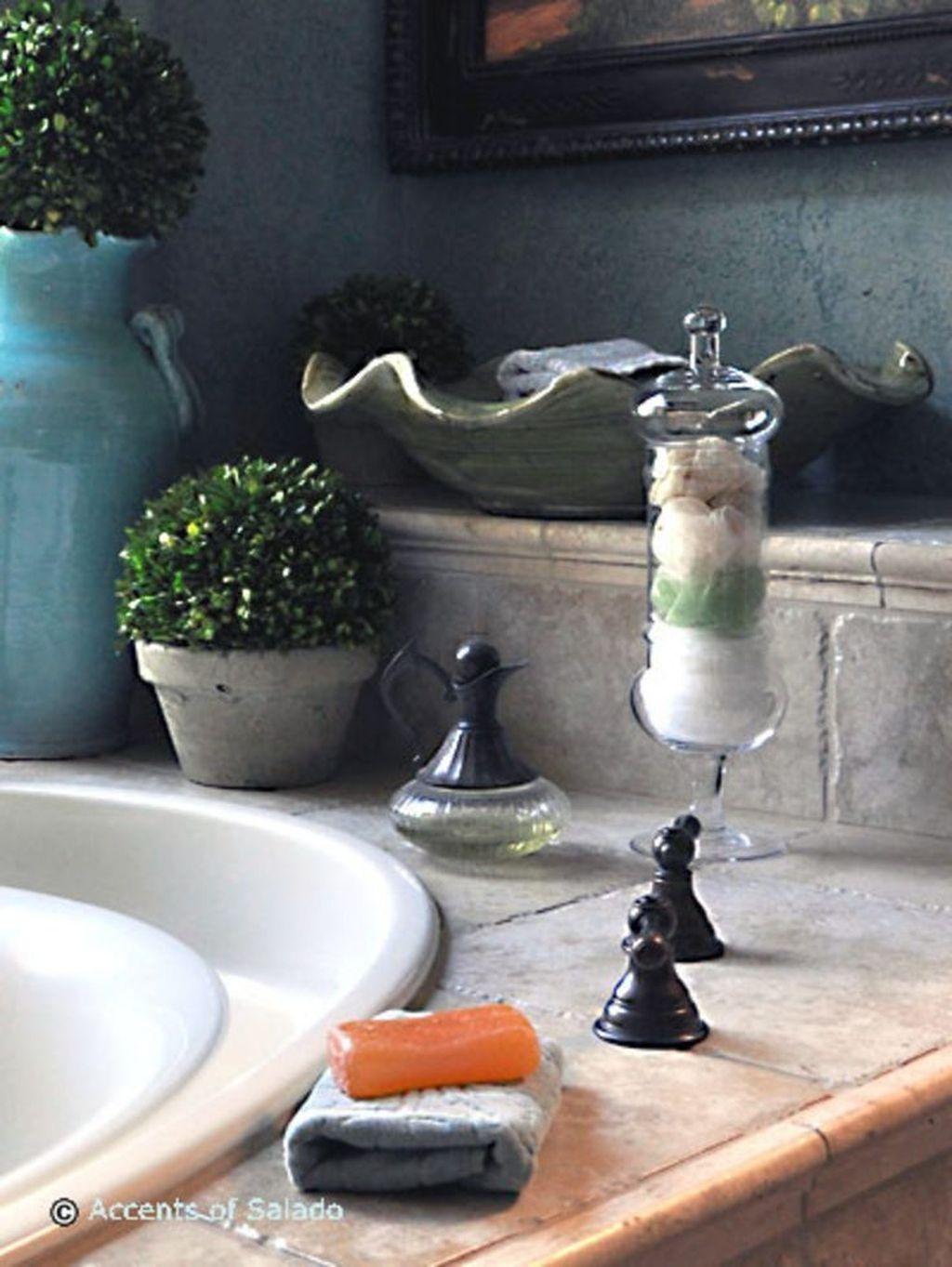 Beautiful Romantic Bathroom Decorations 15