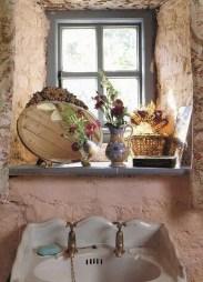 Beautiful Romantic Bathroom Decorations 32