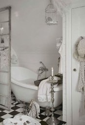 Beautiful Romantic Bathroom Decorations 49