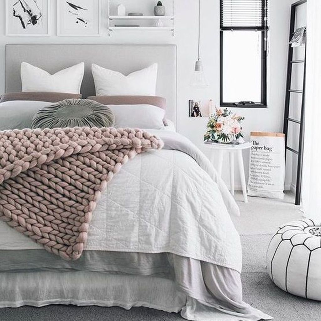 Beautiful White Bedroom Design Ideas 25