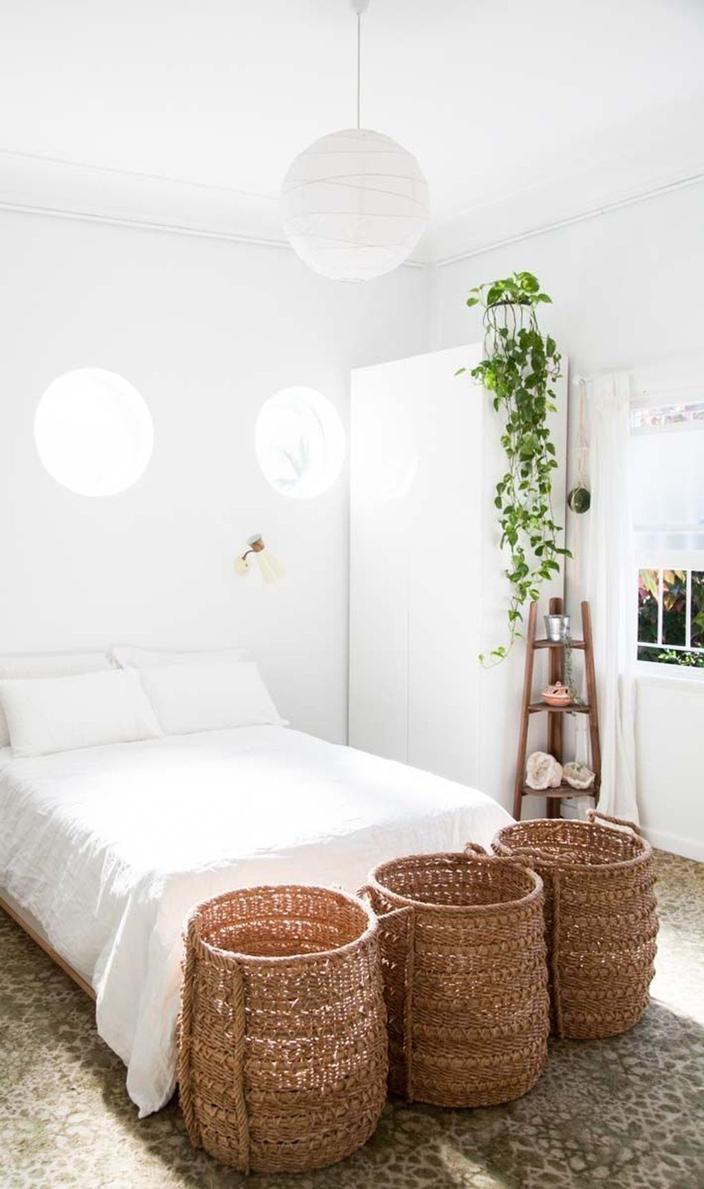 Beautiful White Bedroom Design Ideas 41