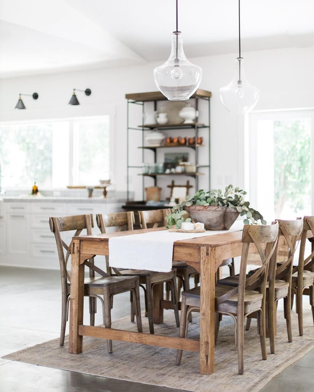 Choosing The Right Farmhouse Dining Room Table 39