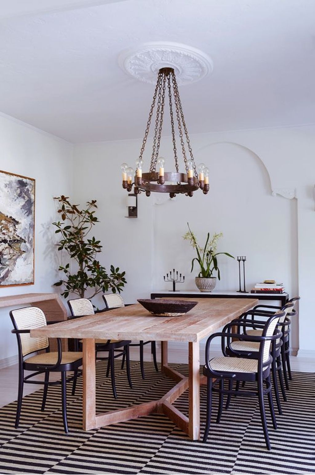 Choosing The Right Farmhouse Dining Room Table 42