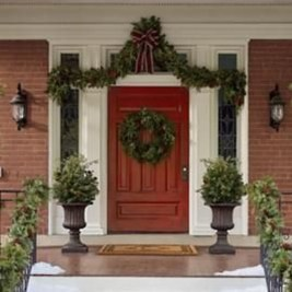 Lovely Winter Front Porch Decoration That Will Make Your Porch Looks Beautiful 05