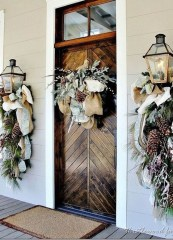 Lovely Winter Front Porch Decoration That Will Make Your Porch Looks Beautiful 21