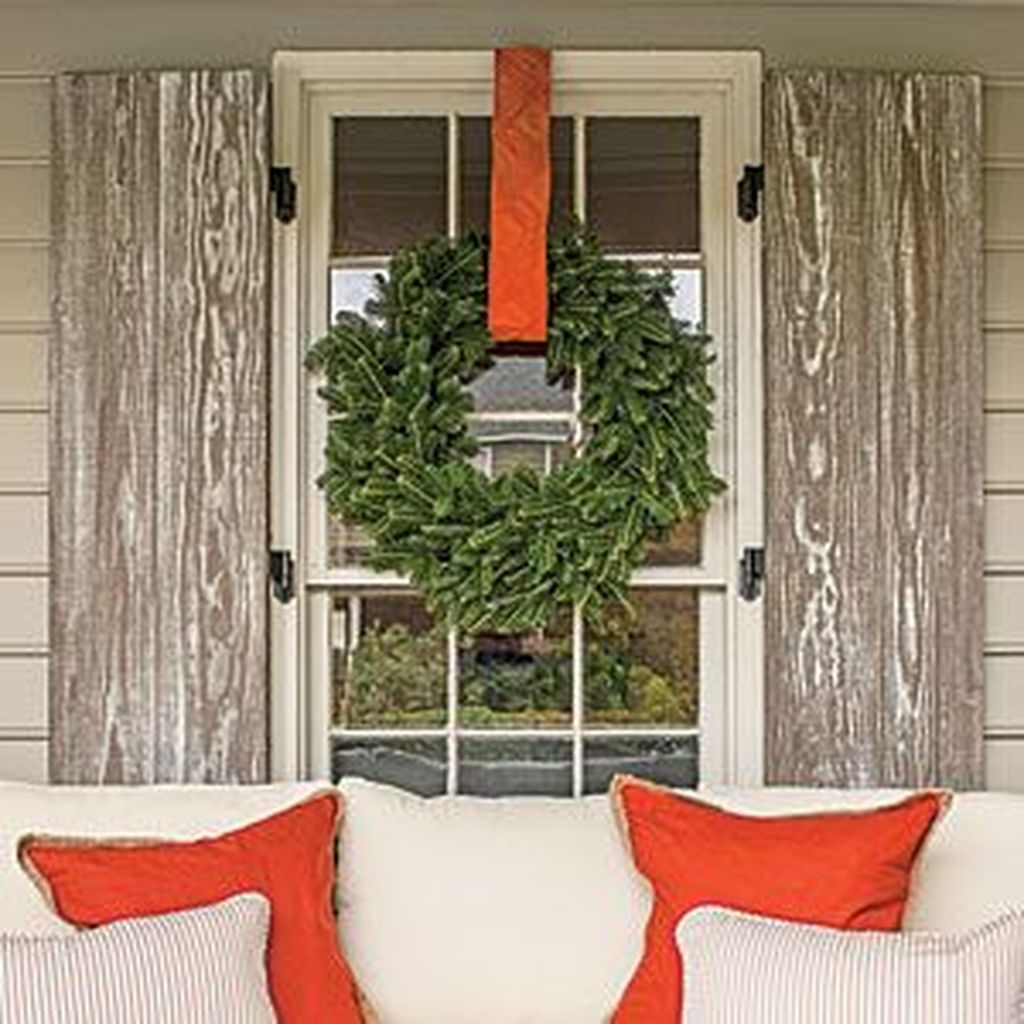Lovely Winter Front Porch Decoration That Will Make Your Porch Looks Beautiful 29