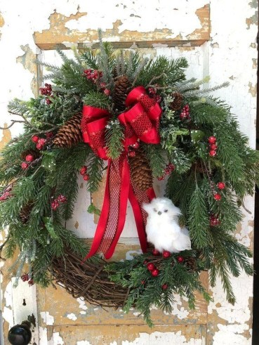 Lovely Winter Front Porch Decoration That Will Make Your Porch Looks Beautiful 48