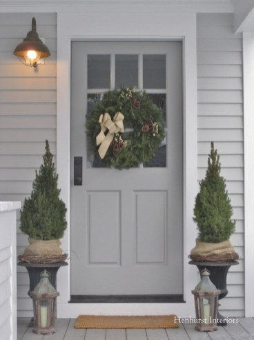Lovely Winter Front Porch Decoration That Will Make Your Porch Looks Beautiful 49