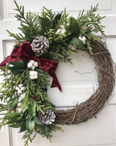 Lovely Winter Front Porch Decoration That Will Make Your Porch Looks Beautiful 50