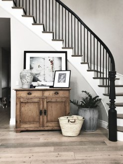 Modern Minimalist House Design In Black And White Color Scheme 12